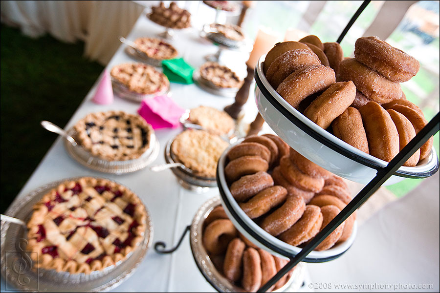 Why have cake when you can have wedding donuts, wedding pie, and wedding cookies? MMMMMmmmmmm!!!