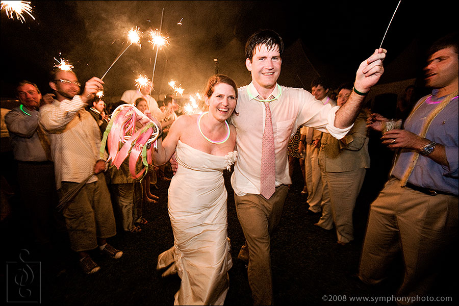 A sparkler send off is a great way to end a great wedding day!