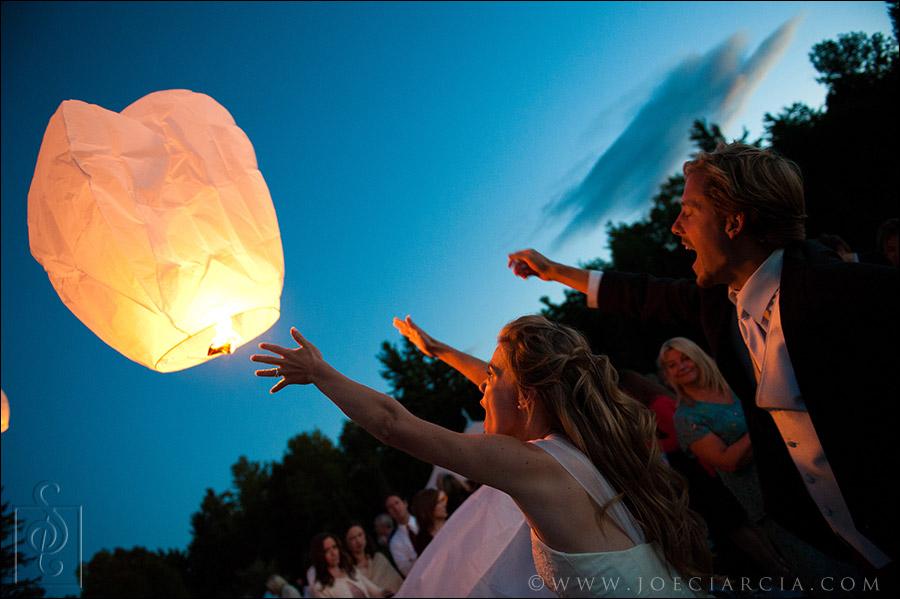 wedding sky lantern release